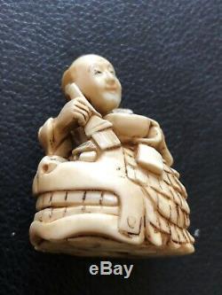 Netsuke Japan XIX Century 19 Th Century Katabori Meiji Era Red Seal