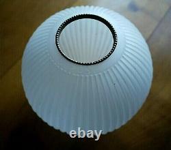 Pair Of Porcelain Oil Lamps Era Xixth Century
