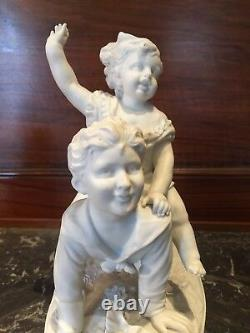 Porcelaine Biscuit Statutte Tend Epoque 19th Child Couple Jewelling