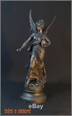 Sculpture In Regulate Signed Louis Moreau Time XIX Ème Century
