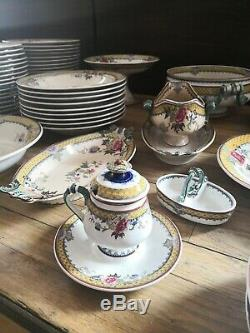 Victoria Porcelain Service Sarguemines E & C Epoque Nineteenth Century France