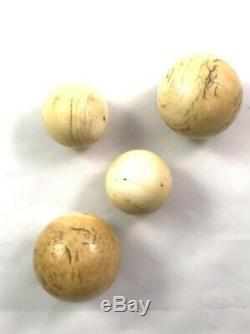 4 ANCIENNES BOULES DE BILLARD EPOQUE NAPOLEON XIXeme poids 565 grammes