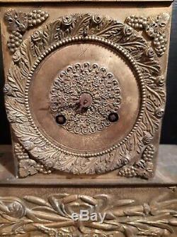 Ancienne horloge pendule en bronze doré époque EMPIRE XIX ème s