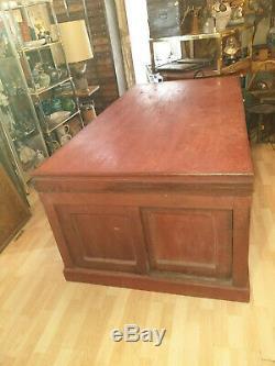 Authentique meuble de Magasin d'époque XIX eme, îlot de centre, cuisine, boutique