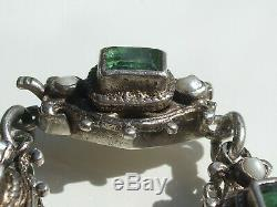 BEAU BRACELET ANCIEN D'EPOQUE DEBUT XIXème en ARGENT avec EMERAUDE / Lg 19,5cm