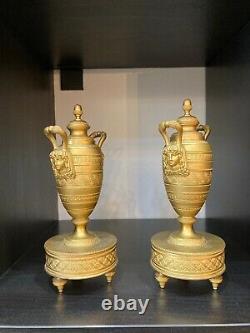 Belle paire de cassolettes en bronze doré. Bougeoirs. Epoque fin XIXème. Empire