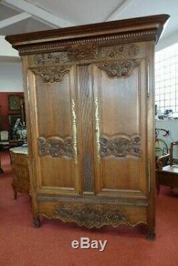 Belle petite armoire Normande avec tiroir époque XIX ème bel état