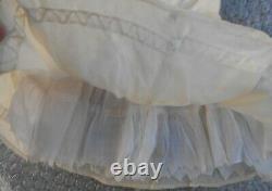 Belle robe BB Bru Jumeau Steiner époque XIXème