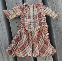 Belle robe BB JUMEAU STEINER époque fin XIXème