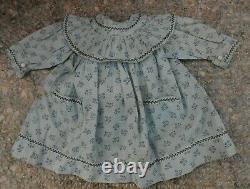Belle robe BB type Jumeau Steiner époque fin XIXème