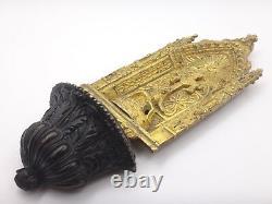 Bénitier en bronze doré de style Gothique Pieta époque Empire XIXeme