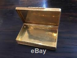 Boite en or 18K guillochées et gravée époque début XIXème