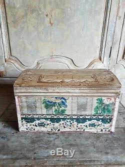 Coffre en papier peint époque XIXème