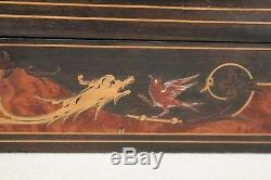 Coffret en marqueterie époque XIX ème siècle chimères et oiseaux