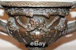Coupe en bronze signée Auguste Delafontaine époque XIX ème siècle