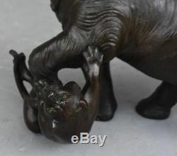 Éléphant et tigres bronze Japonais époque fin XIXème