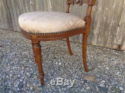 Époque XIXème, petit chaise enfant Louis XVI, chaise médaillon caqueteuse