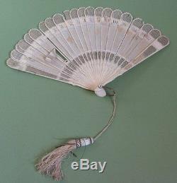 Eventail Epoque XIX Eme Sculpte Et Ajoure Antique Carved Cantonese Chinese Fan