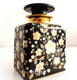 Flacon à parfum et coupe en porcelaine, époque fin XIX ème. Très grande qualité