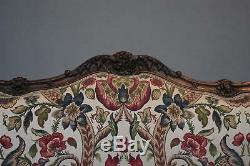 Grande banquette à oreilles style Louis XV époque XIXème