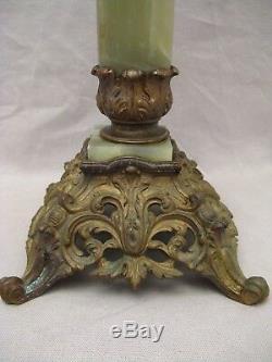 Grande lampe à pétrole époque XIX ème siècle verrerie Baccarat ou saint Louis