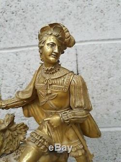 Horloge Ancienne en bronze doré, époque Empire Restauration XIX ème s