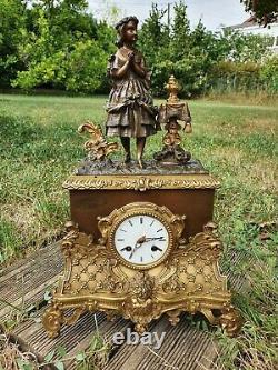 Horloge En Bronze Doré époque Restauration, époque XIX ème s