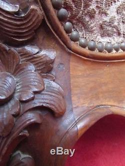 Lit de repos Louis XV en Noyer sculpté de style Rocaille Sultane époque XIXeme