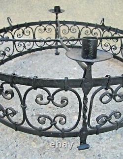 Lustre chateau XIXeme fer forgé style Haute époque