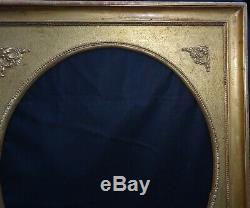 N° 639 CADRE Epoque XIXème doré pour chassis 90.5 x 76.5 cm