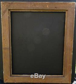 N° 713 CADRE Epoque début XIXème bois et stuc doré pour chassis 66,3 x 55 cm