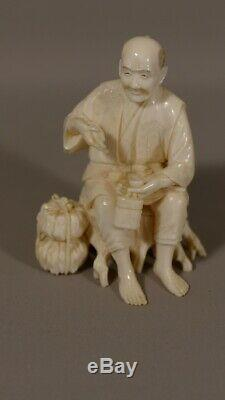 Okimono, Statuette Japonaise, Homme à La Pipe, époque XIX ème