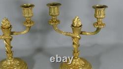 Paire De Chandeliers De Style Louis XVI En Bronze Doré, époque XIX ème
