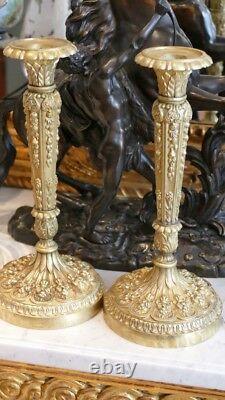 Paire De Flambeaux En Bronze Ciselé De Fleurs, époque Restauration, XIX ème Sièc