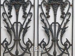 Paire De Grilles De Porte d'Entrée Ou De Fenetre En Fonte, époque XIX ème