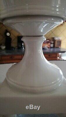 Paire de Vase Navette Corbeille époque XIXème en porcelaine