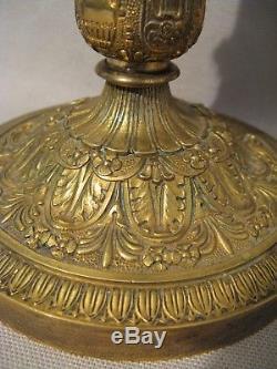 Paire de bougeoirs en bronze doré époque restauration XIX ème siècle