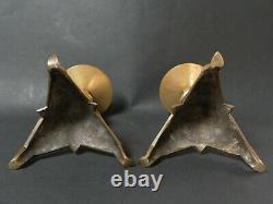 Paire de bougeoirs en bronze style haute époque gothique XIXeme