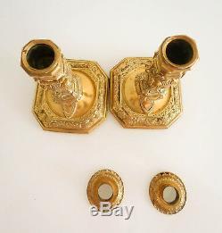 Paire de bougeoirs, haute qualité, bronze d'époque fin XVIII /début XIX ème