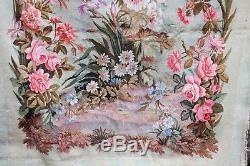 Paire de grandes tapisseries Aubusson décor floral époque XIX ème siècle