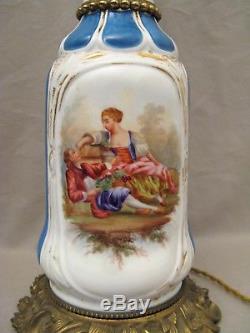 Paire de lampes à pétrole porcelaine Vieux Paris époque XIX ème siècle