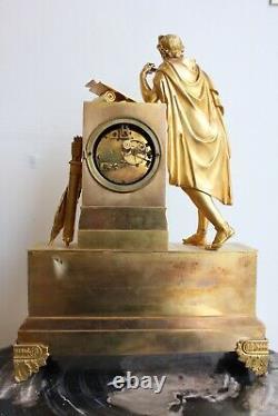 Pendule Ecrivain à l'Antique Epoque XIXème