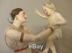 Pendule-En-Porcelaine-emaillee-Polychrome- époque XIXème Siècle signé chantilly