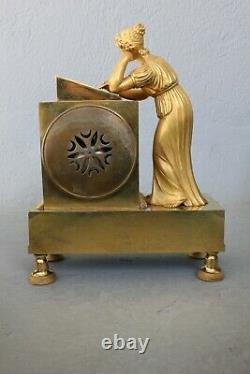 Pendule Femme à l' Ecriture Epoque Empire XIXème Siècle