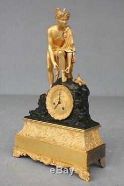 Pendule d' époque Restauration à Décor De Mercure XIXème