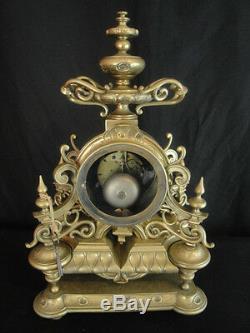 Pendule en bronze de style Louis XIV époque XIXème siècle