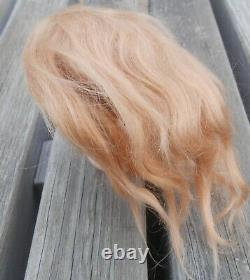Perruque blonde mohair et calotte liège BB époque fin XIXème
