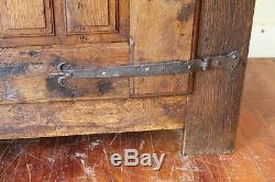 Petite armoire meuble tronc de style Louis XIII en chêne époque XIX ème siècle
