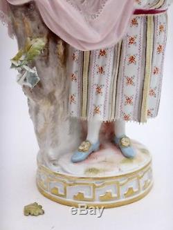 Porcelaine de MEISSEN statuette de Bergère Victor Acier époque XIXeme