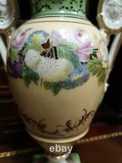 Porcelaine de paris, paire de vase époque XIX ème s
